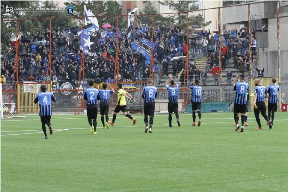 Nocerina-Bisceglie, la partita decisiva. <span>Foto Emmanuele Mastrodonato</span>