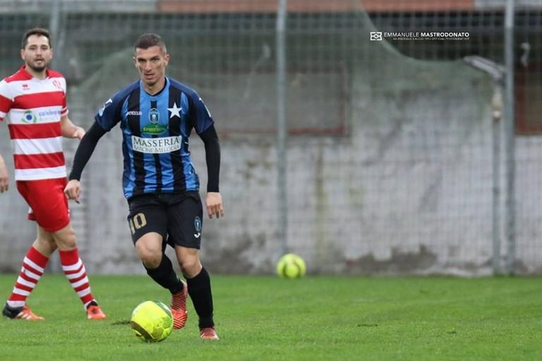 Idriz Toskic, centrocampista del Bisceglie (Foto Emmanuele Mastrodonato)