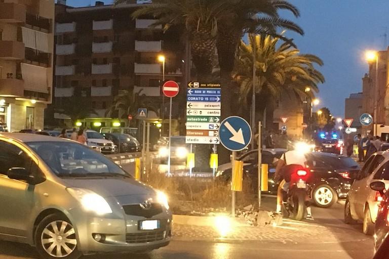 Traffico bloccato su corso Garibaldi. <span>Foto Luca Ferrante</span>