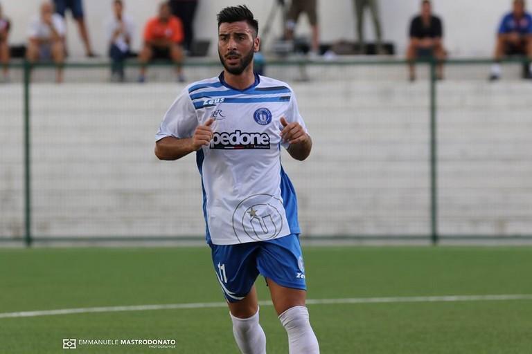 Triggiani, bomber dell'Unione. Il suo gol non basta per cogliere la vittoria (Foto Emmanuele Mastrodonato)