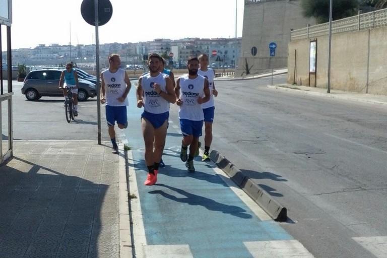 Calciatori dell'Unione si allenano sul lungomare
