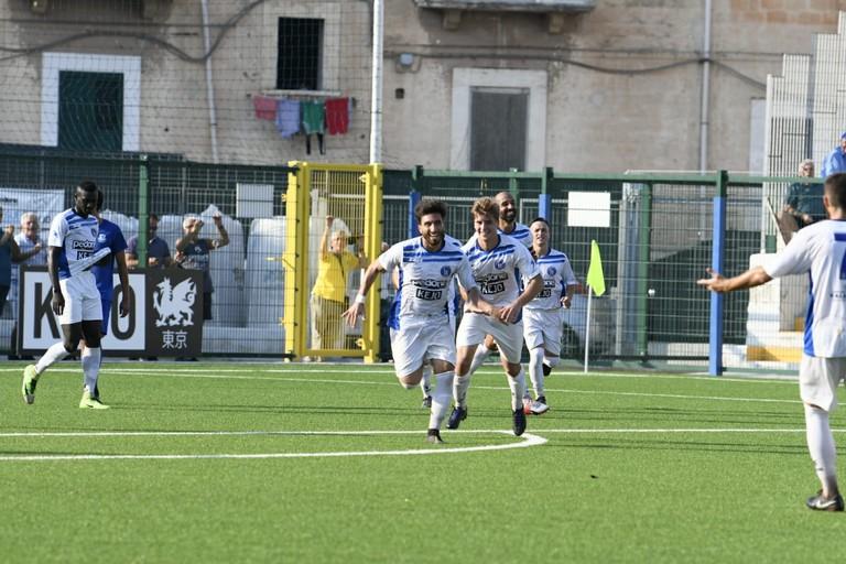 L'esultanza dell'Unione Calcio Bisceglie. <span>Foto Marcello Papagni</span>