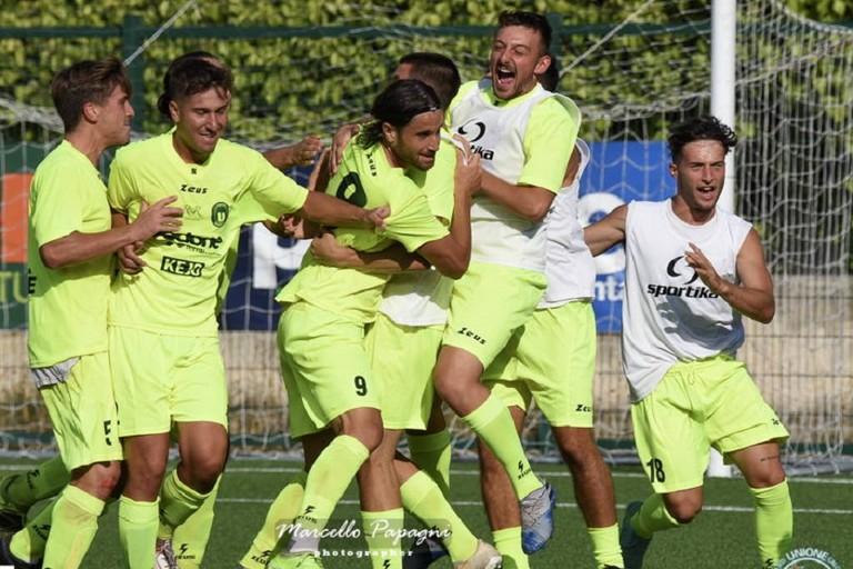 Unione calcio Bisceglie esultanza. <span>Foto Marcello Papagni</span>