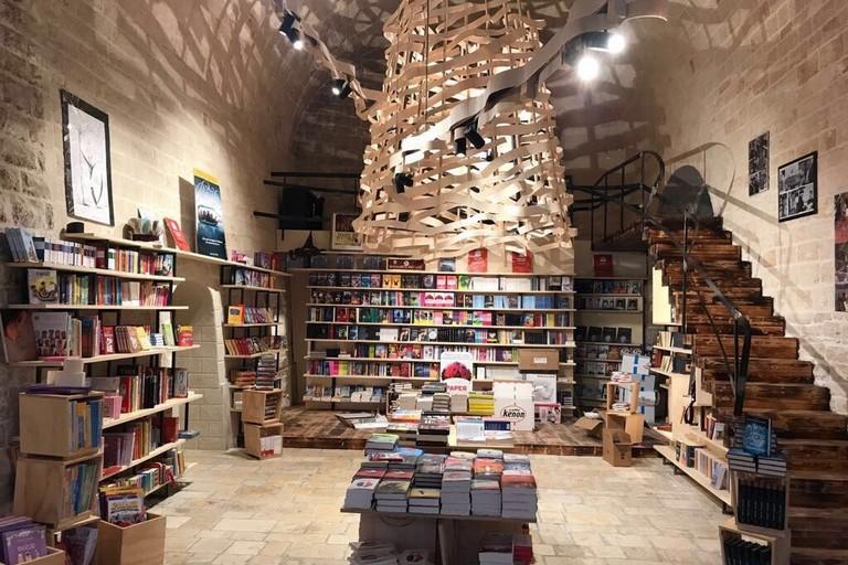 Il bookstore Mondadori alle Vecchie Segherie Mastrototaro