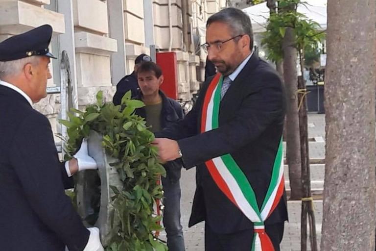 L'omaggio del sindaco facente funzioni Vittorio Fata alla memoria di Aldo Moro