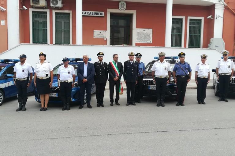 Omaggio della Polizia Locale di Bisceglie all'Arma dei Carabinieri. <span>Foto Cristina Scarasciullo</span>