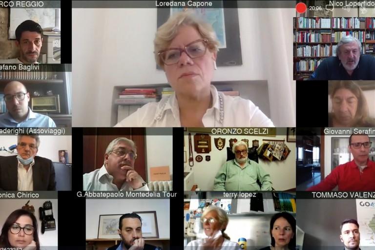 Videoconferenza Emiliano e Capone con titolari agenzie di viaggio