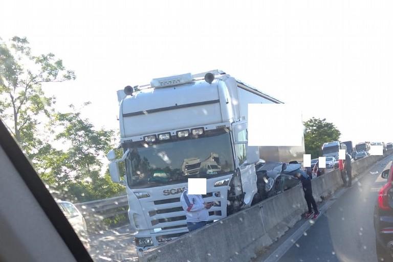 Grave incidente sulla statale 16 bis nel tratto compreso fra Bisceglie e Trani