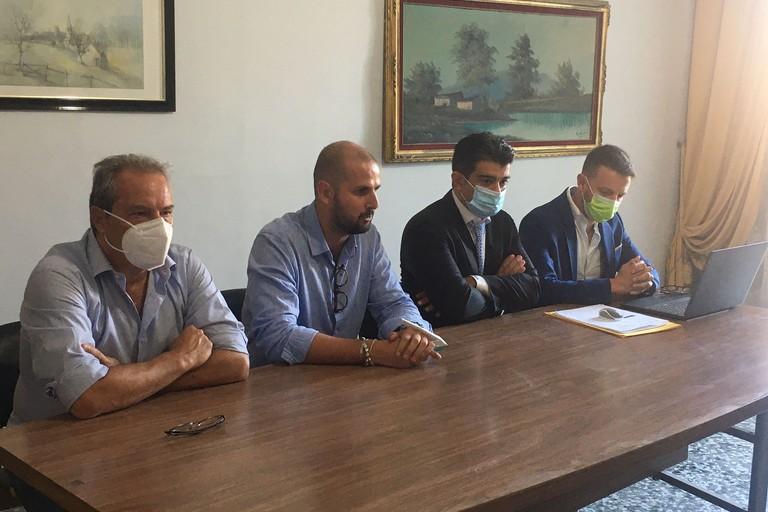 Conferenza stampa del movimento Difendiamo Bisceglie sul tema Green card
